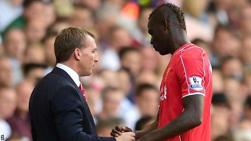 Mario Balotelli and his manager in talks